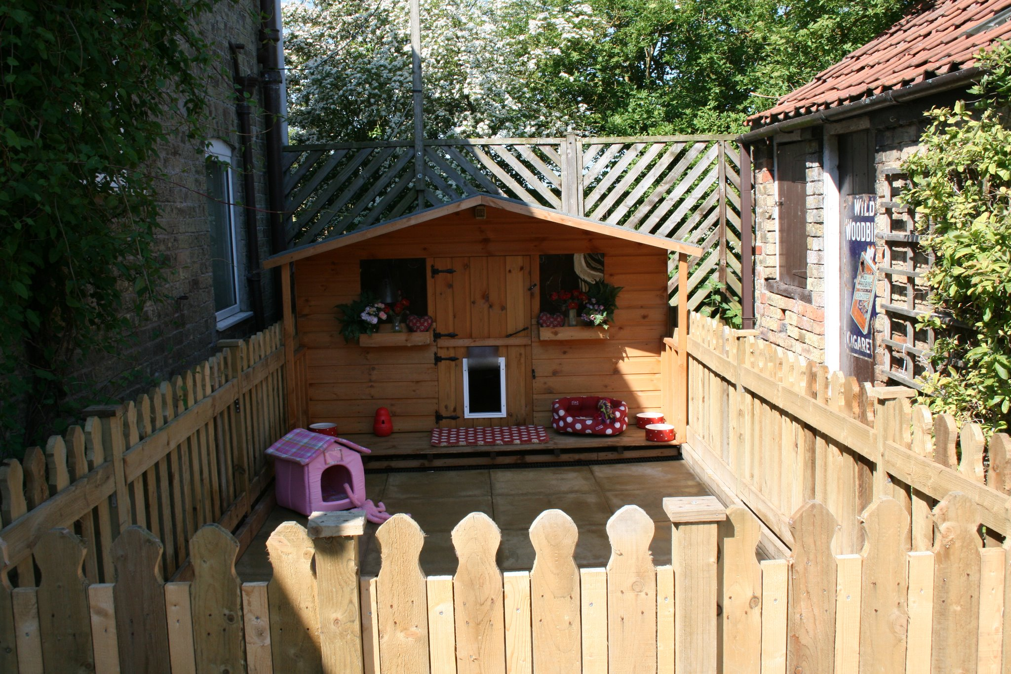 The 'Pug Playhouse'